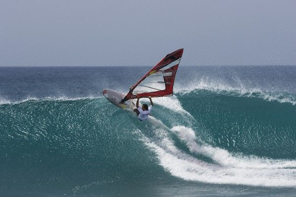 Levi Siver takes on a big on in Cabo Verde